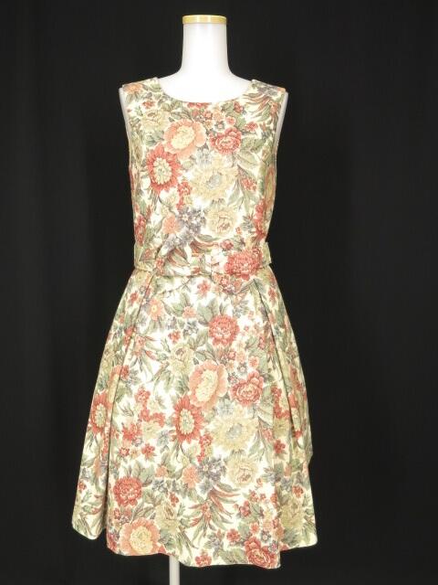 Jane Marple Dans le Salon ブリティッシュローズゴブランプリントのドレス