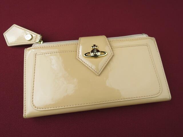 Vivienne Westwood ホック式エナメル長財布