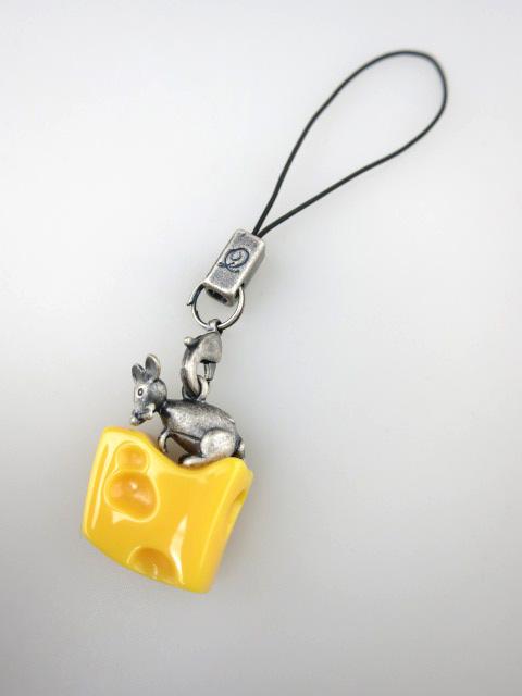 Q-pot. タイニーマウス チーズ ストラップ