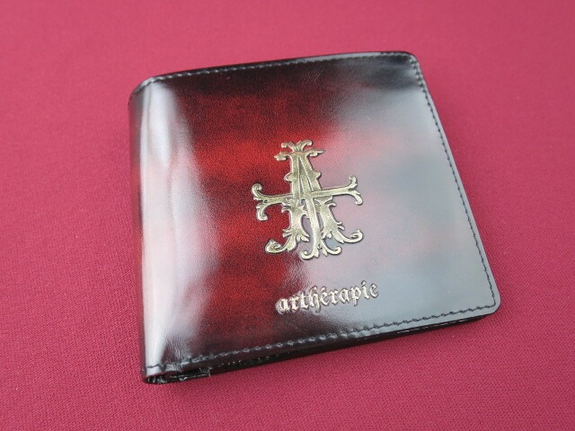 artherapie Aクロスラスター 二つ折り財布