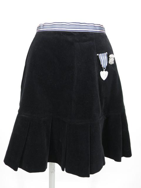 Emily Temple cute 勲章ブローチ付きベロアスカート