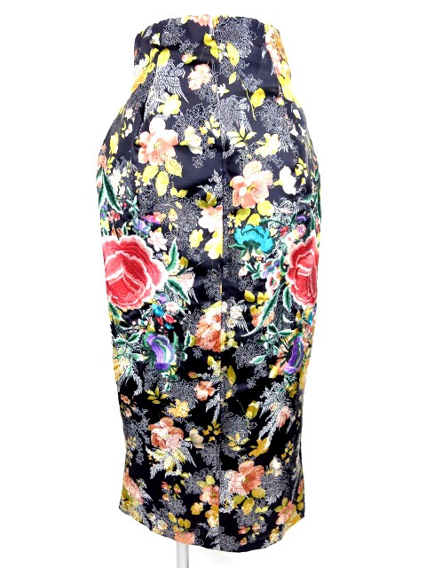 ahcahcum muchacha お花刺繍ロングスカート
