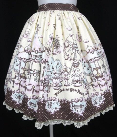 BABY, THE STARS SHINE BRIGHT みるくちゃんのFantasy Wonderland柄 スカート