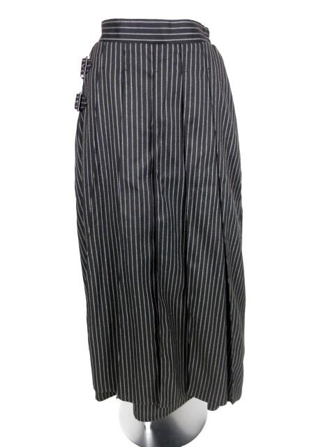 PUTUMAYO フロントプリーツストライプロングスカート