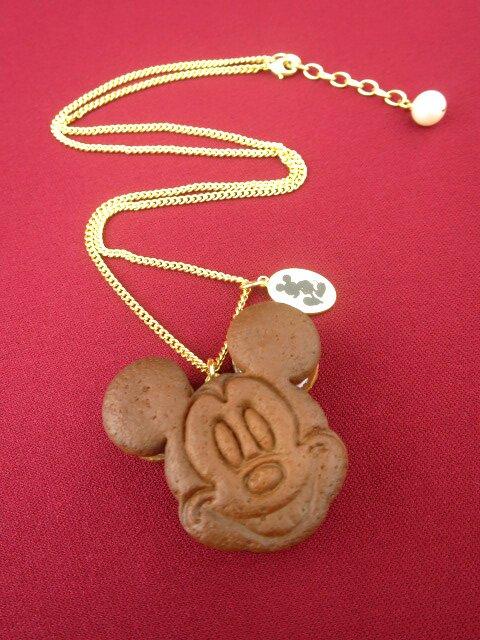Q-pot. ミッキーマウス / チョコミント クッキーサンドアイス ネックレス