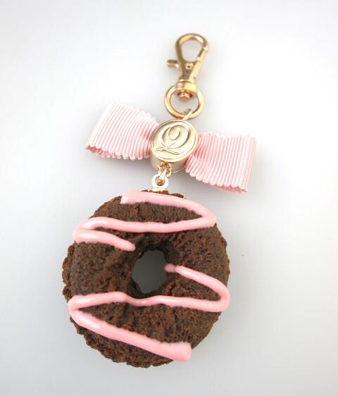 Q-pot. ストロベリー チョコレート ドーナッツ バッグチャーム