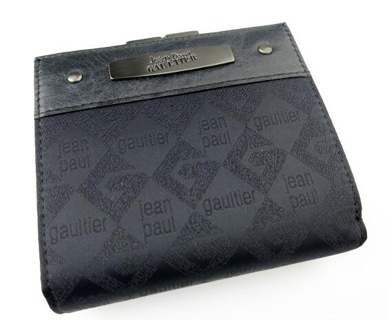 Jean Paul GAULTIER ロゴジャガードがま口折り財布