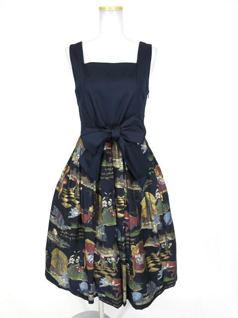 Jane Marple Queen Aliceのドレス