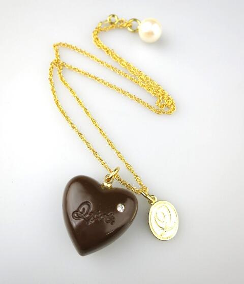 Q-pot. ハートチョコレートネックレス