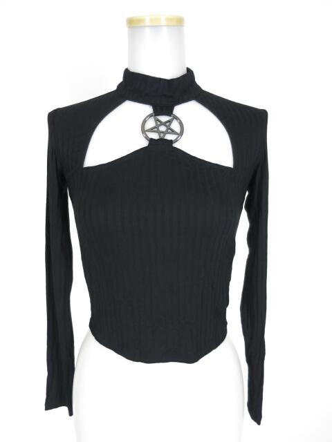 KILLSTAR リチュアルリング付き胸開きカットソー