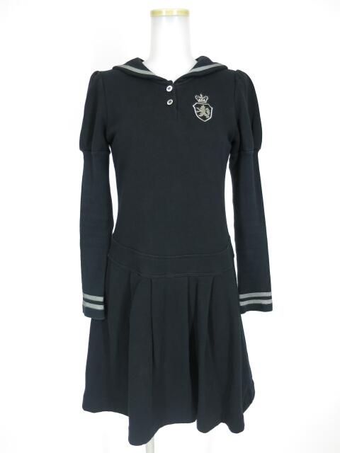 Jane Marple エンブレム刺繍セーラー衿ワンピース