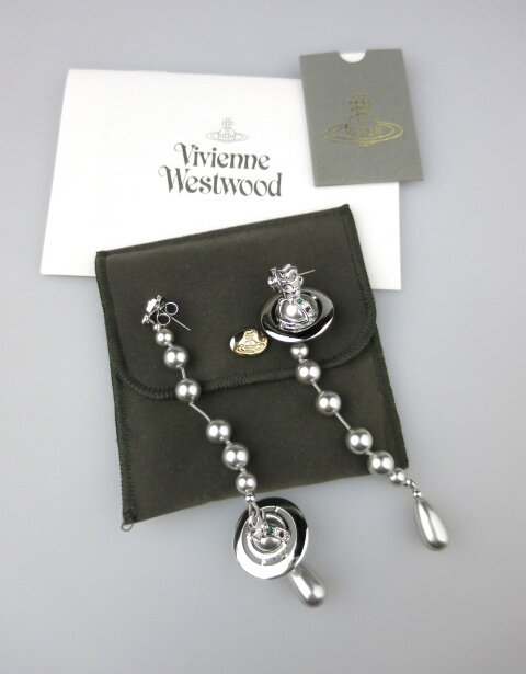 Vivienne Westwood ブロークンパールピアス