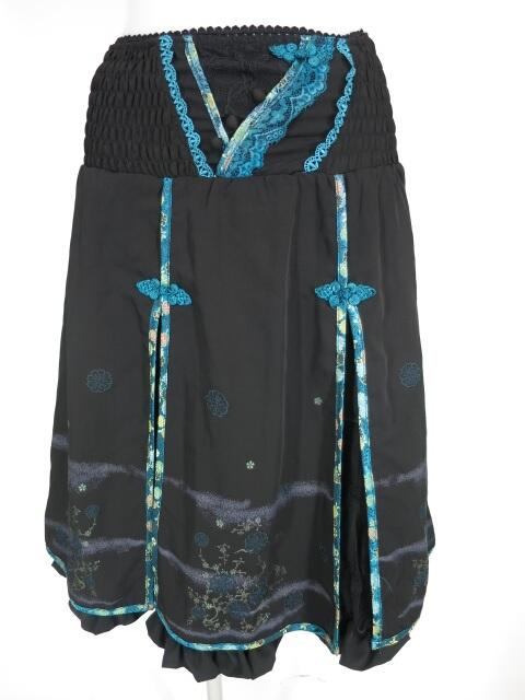 OZZ ONESTE 梅花刺繍入りチャイナスカート