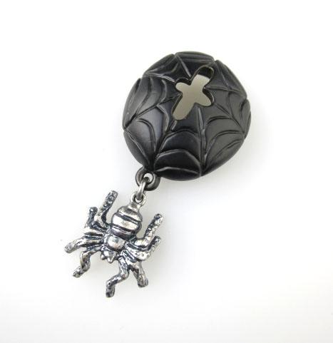 Q-pot. クモの巣ベレー帽チャーム