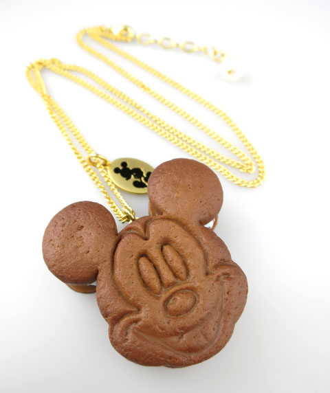 Q-pot.×Disney ミッキーマウス チョコミント クッキーサンドアイス ネックレス