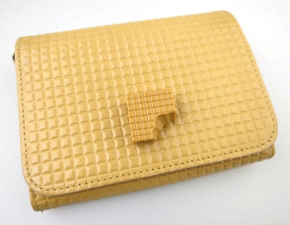 Q-pot. キャラメル ショート財布
