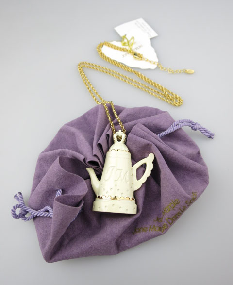 Jane Marple スカラップTea Potのペンダント