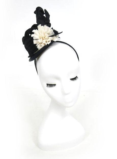 バラ色の帽子 ミニハット型カチューシャ