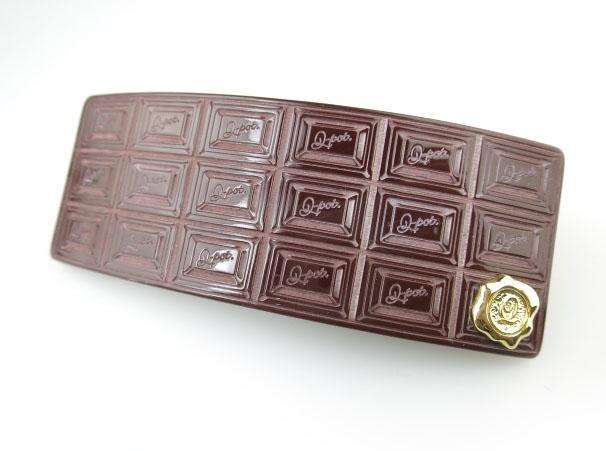 Q-pot. ビターチョコレート アクリル バレッタ
