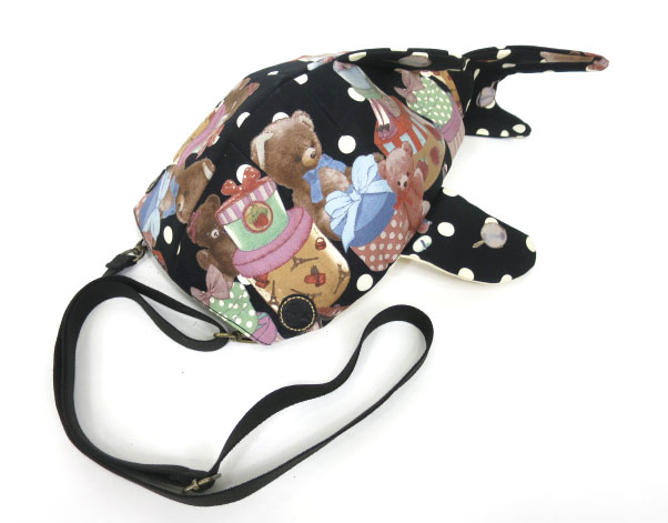 KASEI テディベア&プレゼントボックス柄 小サメショルダーバッグ