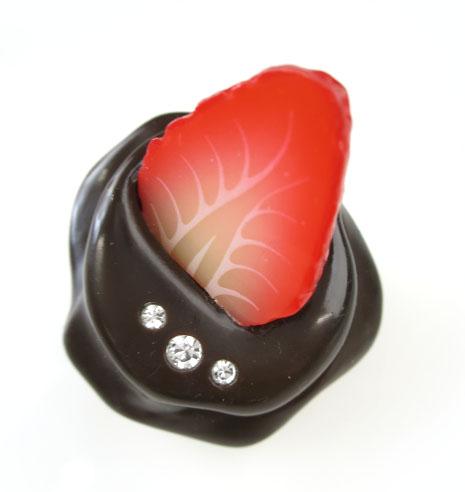 Q-pot. ストロベリーチョコレートコードリール
