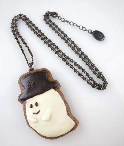 Q-pot. シルクハットゴーストクッキーネックレス