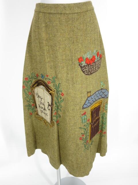 Jane Marple 赤ずきんアップリケ刺繍スカート