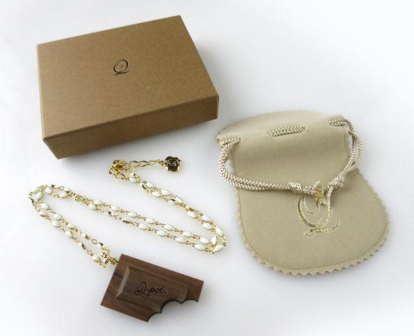 Q-pot. ウッドチョコレートネックレス