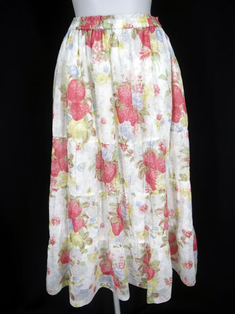 Jane Marple Dans Le Salon Strawberry season ティアードスカート