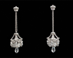 Justin Davis CHANDELIER Earring シャンデリア イヤリング ピアス SEJ015